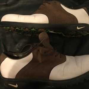 Nike Classic Oxford Golf Shoes White & Dark Khaki